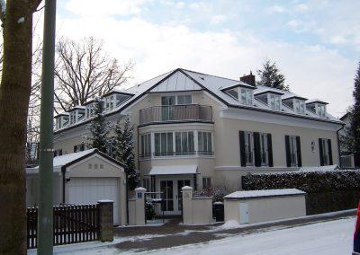 Vornehme Fassadengestaltung eines Mehrfamilienhauses