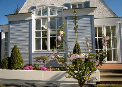 Dezente Fassadengestaltung eines Einfamilienhauses (Detail)