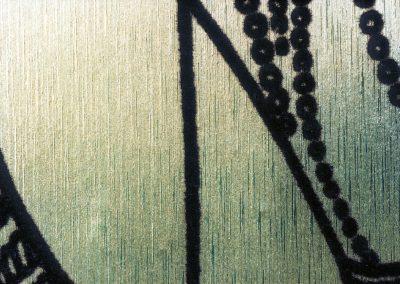 Tapezieren mit künstlerischer Seidentapete (Detail)