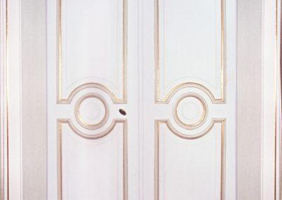 Vergolden einer repräsentativen Türe